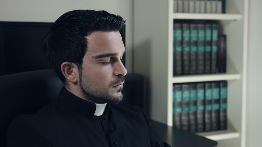 Voici comment doit être un vrai prêtre de Notre Seigneur Jésus-Christ 9