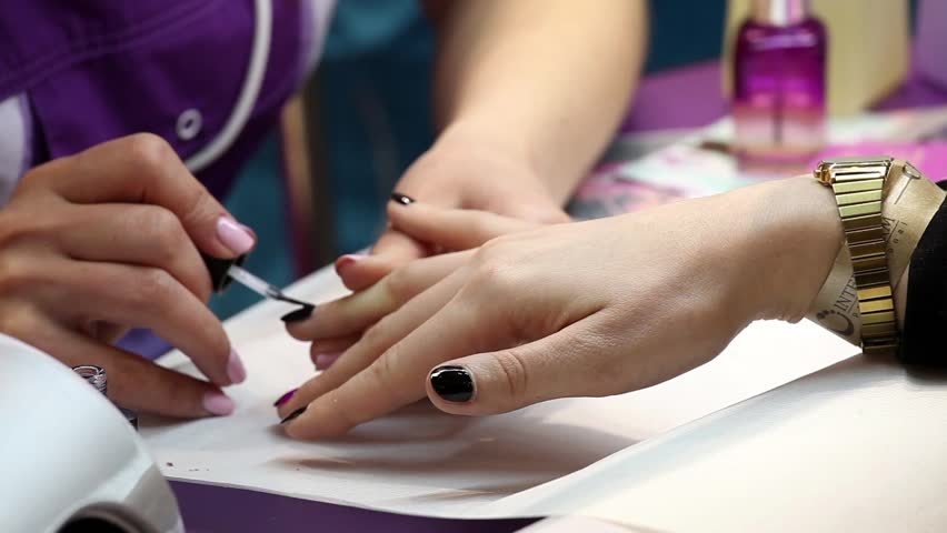 Salon definition meaning for A q nail salon collinsville il