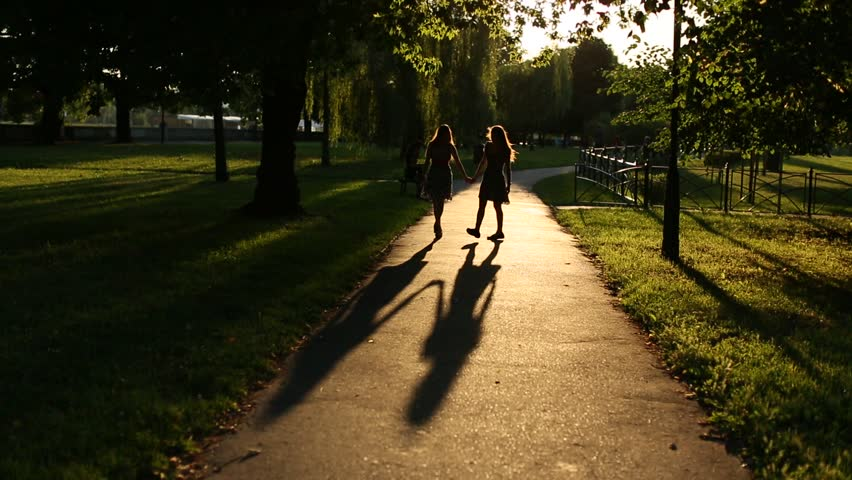 Pics For u0026gt; Two Girls Holding Hands Silhouette
