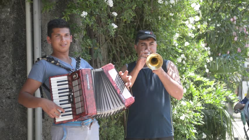Meet hispanic singles free