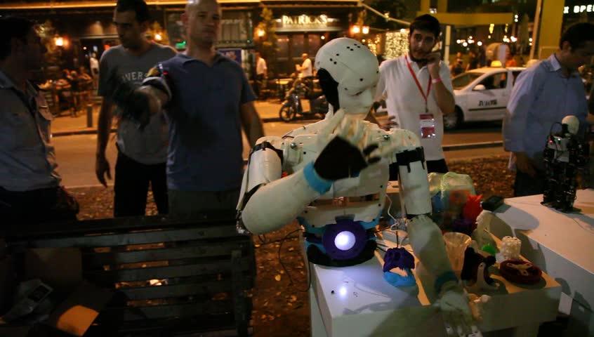 Robot imitates facial movements