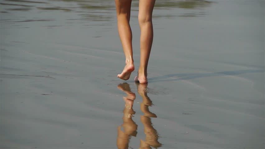 Walking on the sand | Shutterstock HD Video #2088551