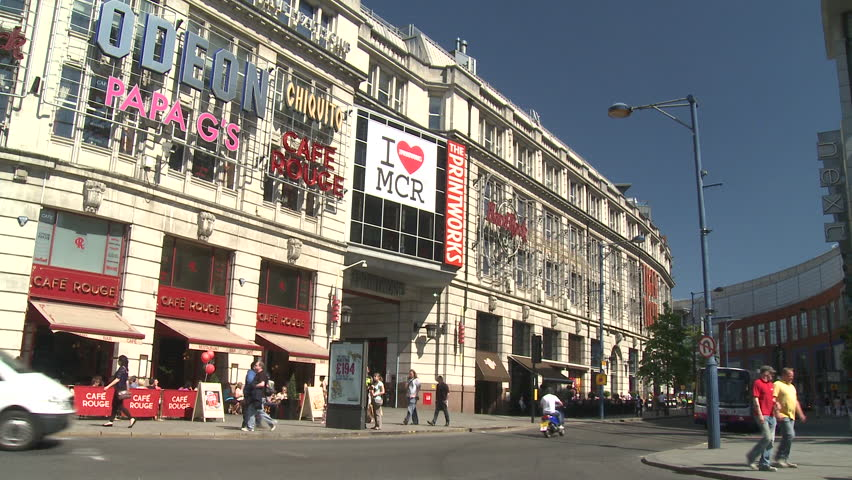 MANCHESTER - MAY 25: Timelapse of Printworks shopping & entertainment centre on May 25, 2012 in Manchester, England.