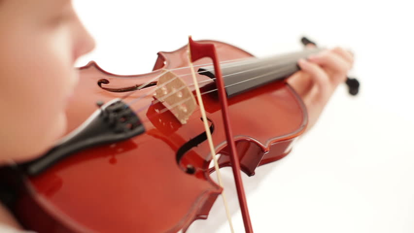 playing the violin, Play the violin, Movement of the bow on the strings violin