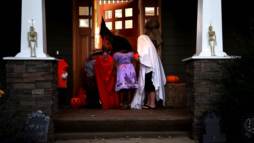 Trick or treating on Halloween | Shutterstock HD Video #4559177