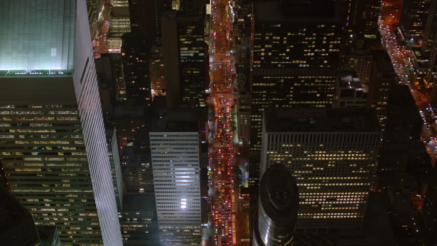 Flying over busy Manhattan street | Shutterstock HD Video #4661975