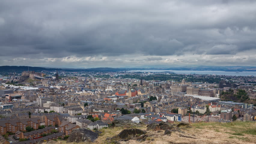 Edinburgh old town Timelapse from Arthur's Seat (available in 4K)