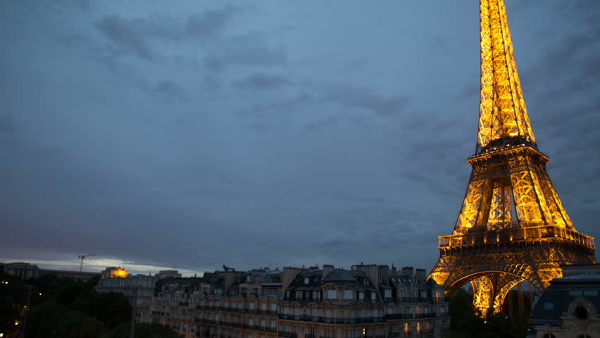 AUG 2013: 4k Time Lapse Of The Eiffel