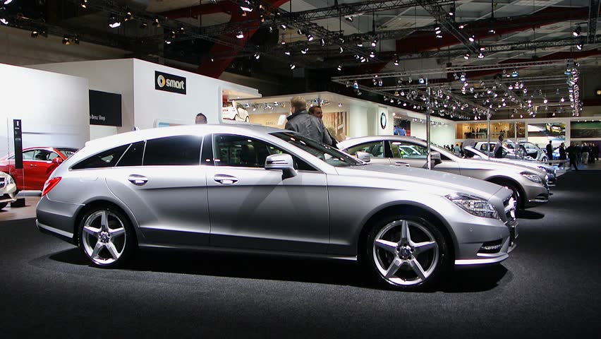 Brussels belgium january 14 2014 gray mercedes benz for Mercedes benz cls station wagon