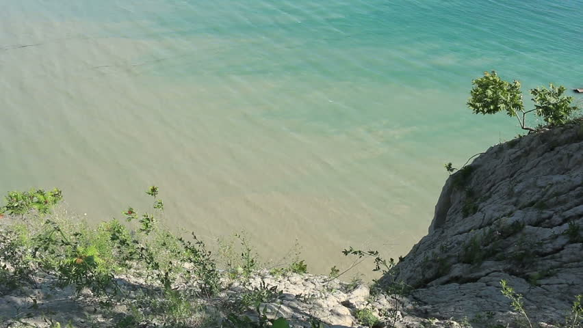 how to get to scarborough bluffs cliff
