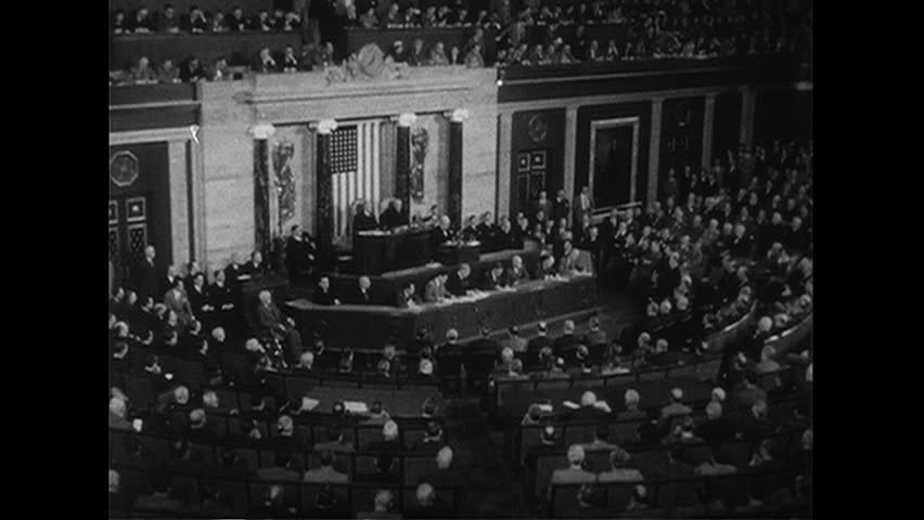WASHINGTON DC 1952 : Winston Churchill gives a speech to Congress advising to prevent a third World War from occurring.