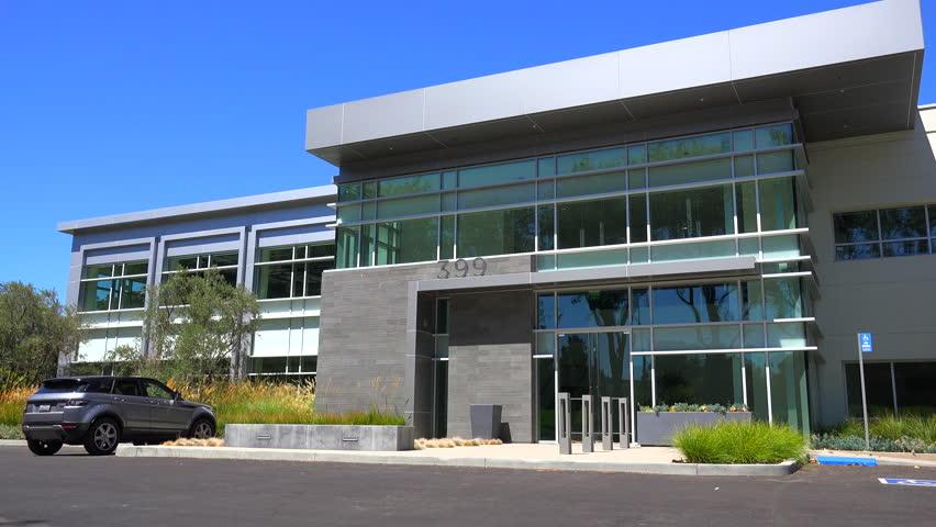 Dessau germany bauhaus school building entrance pan for Modern office exterior design