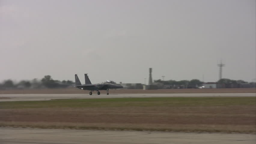 Video of an F15 Eagles  in an airshow at Randolph AFB Texas.