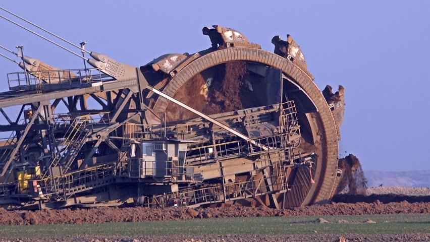 giant excavator - photo #12